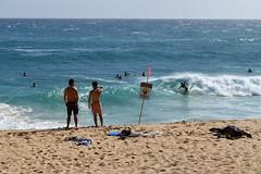 Sandy Beach Boogie Boarding (trailwalker52) Tags: hawaii oahu sandybeach ocean shorebreak boogieboard boogieboarding