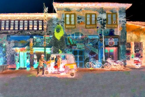 India - Kerala - Fort Cochin - Streetlife With Auto Rickshaw - 144bb