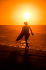 Banzai Pipeline Oahu Hawaii North Shore Sunset Silhouettes (Anthony Quintano) Tags: banazipipeline silhouettes surfing surfers sunset hawaiiansunset hawaiisunset oceansunset hawaiianislands northshore oahu hawaii pupkea