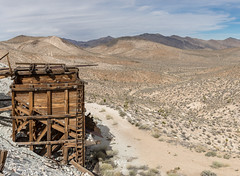 Ubhebe Talc Mine Ore Bin Panorama (W9JIM) Tags: california unitedstates w9jim abandoned dvnp deathvalley orebin stonepencilmine ubehebetalcmine 7d2 24105l 24mm panorama