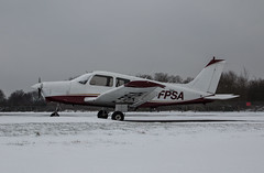 EGLK - Piper PA-28 - G-FPSA (lynothehammer1978) Tags: eglk bbs blackbushe blackbusheairport piperpa28 gfpsa