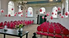 heliumballonnen in trouw kapel