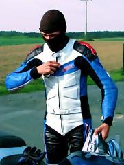 Guy (driver Photographer) Tags: 摩托车,皮革,川崎,雅马哈,杜卡迪,本田,艾普瑞利亚,铃木, オートバイ、革、川崎、ヤマハ、ドゥカティ、ホンダ、アプリリア、スズキ、 aprilia cagiva honda kawasaki husqvarna ktm simson suzuki yamaha ducati daytona buell motoguzzi triumph bmw driver motorcycle leathers dainese motorrad