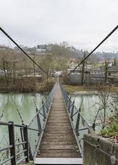 Passerelle des Neigles (Philippe Bélaz) Tags: fribourg architectures coursdeaux hiver passerelles paysages ponts suspendu urbain vieillesvilles villes