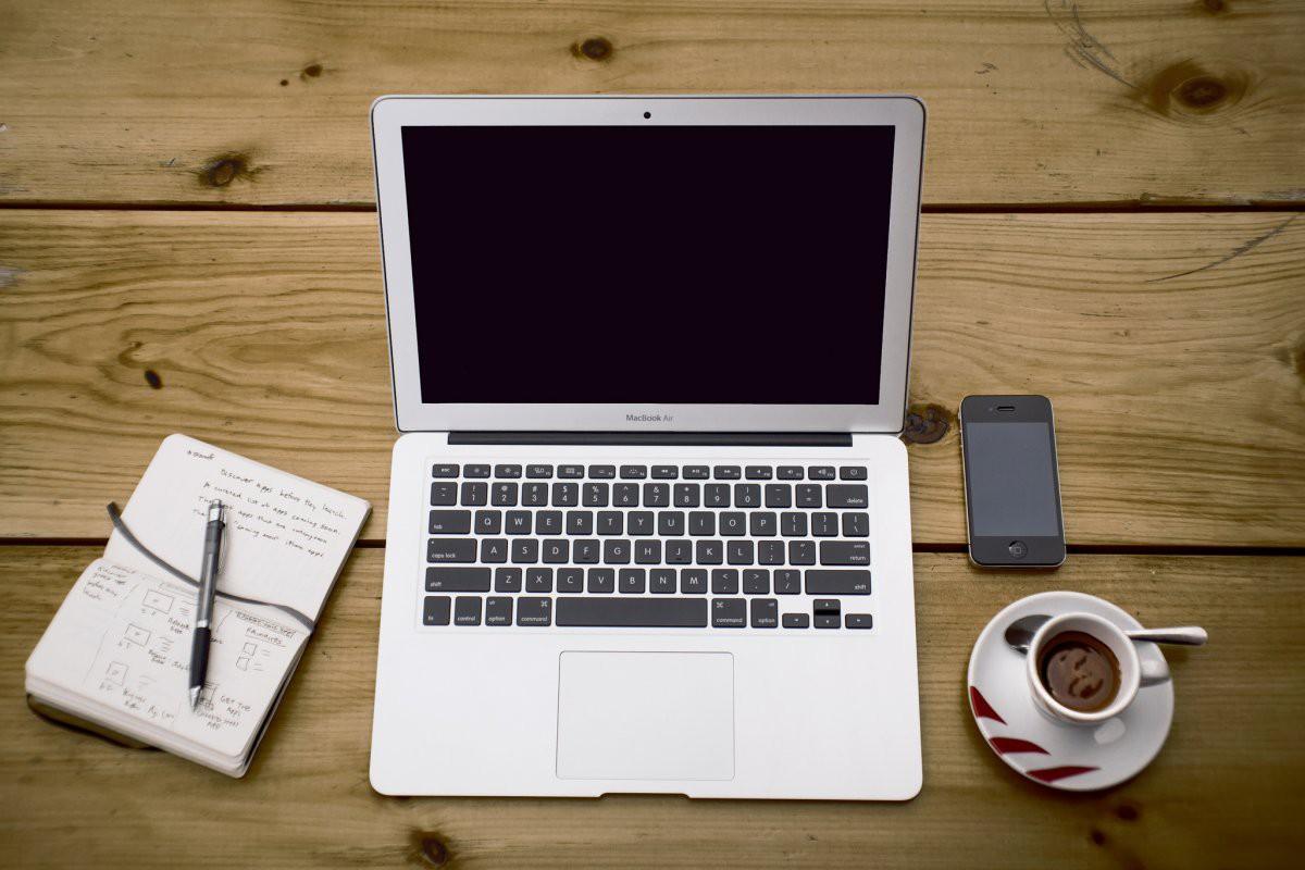 5 điểm khác nhau giữa MacBook và laptop Windows khiến fan bất phân thắng bại - Ảnh 1.