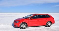 RotWeiß (kadege59) Tags: nikon nikond3300 nikkor technik seat leon red white snow car geba mountain sky