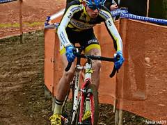 DSCN2875 (Ronan Caroff) Tags: cycling cyclisme ciclismo bike velo course race men man sport sports cx cyclocross quelneuc morbihan 56 bretagne breizh brittany france championnatdefrance mud boue competition contest cup coupe championnat championship cadet cadets