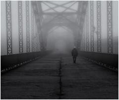 Fog (fotoerdmann) Tags: schwarzweis blackandwhite brücke nightshot nebel hamburg fog
