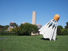 Shuttlecocks (procrast8) Tags: kansas city mo missouri nelson atkins museum art shuttlecock claes oldenburg coosje van bruggen sculpture