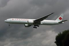 C-FIUL (FabioZ2) Tags: londra boeing 777333er aircanada atterraggio cn35255