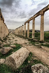 Ancient Jerash, Jordan (Aethelweard) Tags: jerash jerashgovernorate jordan jo ancient roman greek city temple columns sky old historic building architecture ruins abandoned canon