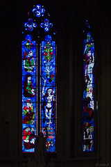 Stained glass at the St-Michel's Basilica (Cecilia A) Tags: basiliquestmichel bougies vitraux bordeaux velas candles vitral stainedglass france aquitaine colorful blue bleu azul canon canont3i canon600d ©ceciliaa
