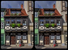 Truss with machicolation 3-D / CrossView / Stereoscopy / HDR / Raw (Stereotron) Tags: sachsenanhalt saxonyanhalt ostfalen harz mountains gebirge ostfalia hardt hart hercynia harzgau quedlinburg streetphotography architecture maschikuli machicolation fachwerk halftimbered house stud work antiquated ancient medieval middleages europe germany deutschland crosseye crosseyed crossview xview cross eye pair freeview sidebyside sbs kreuzblick 3d 3dphoto 3dstereo 3rddimension spatial stereo stereo3d stereophoto stereophotography stereoscopic stereoscopy stereotron threedimensional stereoview stereophotomaker stereophotograph 3dpicture 3dglasses 3dimage hyperstereo twin canon eos 550d yongnuo radio transmitter remote control synchron kitlens 1855mm tonemapping hdr hdri raw