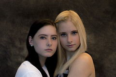 Posing Class - Twin Models (aaronrhawkins) Tags: pose portrait twin teenagers girls daughters class provo recreation center utah beautiful girl woman face sisters soft feminine blonde aaronhawkins