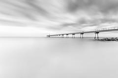 Puente del Petrolio (Txeny4) Tags: badalona barcelona cataluña puente del petrolio blancoynegro crepuscular sedas sea mar largaexposicion lucroit nd nisi haida texturas canon cielo 80d txeny4