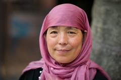 A chinese woman in the Muslim Quarter of Xi'An (leonardrodriguez) Tags: womanfemme muslim musulman islam regard china chine cina 中国 上海 cinese chinois xian shaanxi sian 西安 beiyuanmenmoslemmarket