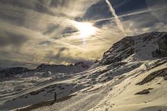 Zugspitze - Am Schneefernerhaus (Of Light & Lenses) Tags: zugspitze schneefernerhaus seilbahn lightfantastic frühmorgens schnee klimawandel olympus mzuiko mzuiko714mm olympusomdm1mkii forschungsstation topofgermany alpen alps garmisch climatechange impact gegenlicht