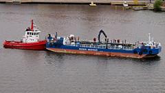 The tug boat Abbe and the barge madicken in Stockholm (Franz Airiman) Tags: abbe madicken pråm barge båt boat ship fartyg bogserbåt tug tugboat saltsjön stockholm sweden scandinavia rederiwermdö