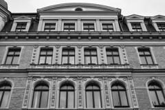 Kreuzberg Methfesselstraße (Berlin-Knipser) Tags: berlin blackandwhite bw blackwhite artinbw schwarzweis schwarzweiss sw sonya7ii canonfd deutschland germany kreuzberg architektur