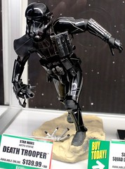 2017-Star Wars Death Troopers Statue by Artfx at SDCC-01 (David Cummings62) Tags: sandiego ca calif california comiccon con david dave cummings 2017 statue starwars deathtrooper stealthtrooper artfx
