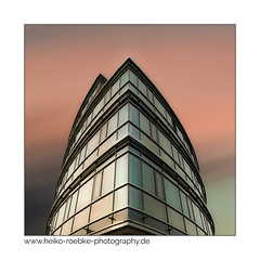 Podbi 344, Hannover (H. Roebke) Tags: 2018 canon1635mmf28lisiii de canon5dmkiv building germany gebäude langzeitbelichtung stadtansicht nd1000 graufilter hannover architecture architektur color farbe lightroom longexpo pastel