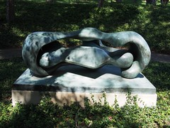 Reclining Connected Forms (procrast8) Tags: kansas city mo missouri nelson atkins art museum reclining connected form henry spencer moore sculpture