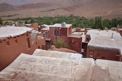 5DSL4448 (qlin zhang) Tags: abyaneh iran isfahan karkas mountain natanz safavid ancient anthropological architectural building red travel trip uniform village