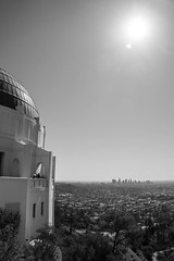 Griffith Observatory - Los Angeles, CA (ChrisGoldNY) Tags: sonya7rii sonyalpha sonyimages chrisgoldphoto chrisgoldny chrisgoldberg forsale licensing bookcovers bookcover albumcover albumcovers sony california socal cali southerncalifornia usa america bw blackandwhite losangeles la dtla hollywood sun sunrays skyline sunlight landmarks griffith griffithpark griffithobservatory californian architecture buildings observatories
