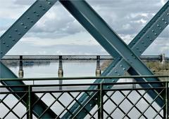 CV 272 (cadayf) Tags: 33 gironde ouvrage pont bridge acier stee eiffel architecture graphique