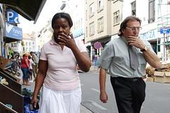 Tics (Serge Dejonckheere) Tags: brussels bruxelles streetphotography photoderue street candid rx100 matonge