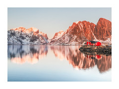 Sakrisøy Reflected (Vemsteroo) Tags: norway lofoten lofotenislands red huts mountains mountainscape sakrisøy snow snowcapped reflection reflected beautiful clear crisp sunrise sunset still lake water sea coast outdoors canon 5d mkiv bright scenic landscape