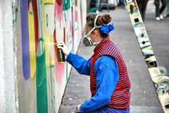Artiste de rue // Street artist (erichudson78) Tags: france iledefrance paris13ème ruebobillot streetart peinturemurale kashink rue street canoneos5d canonef24105mmf4lisusm smileonsaturday mask masque graffiti graffeuse coloré coloured 7dwf painting peinture candidshot candid