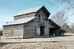 Old barn - Anderson Co, S.C. (DT's Photo Site - Anderson S.C.) Tags: canon 5d classic 24105mml lens andersonsc upstate rural country roads barn farm vintage vanishing rustic southernlife building tin wood siding gray weathered southern america usa scenic landscape