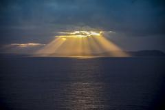 lumiere (joboss83) Tags: mer sun sea méditerranée ciel landscape nuage cote beach soleil var france europe provence fuji projecteur brume groupenuagesetciel