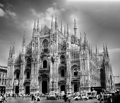 (claraaregiani) Tags: milan italy duomo blackandwhite people travel duomodimilano church beautifulplaces