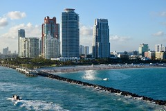 South Beach Seawall (The Brit_2) Tags: miami florida ocean beach absolutelystunningscapes