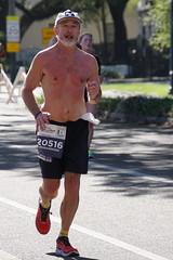 98 Rock 'n' Roll Marathon (Omunene) Tags: humanarocknrollmarathonneworleans2018 brooks race marathon 42195k 26219m esplanadeavenue faubourgstjohn neworleans runners shirtless pecs nipples navel bellybutton chest