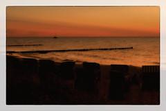 At the horizon (Heinze Detlef) Tags: segelboot horizont wasser see ostsee himmel sunset urlaub urlauber heimfahrt meer tagestour licht schatten