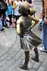 20171008_101 Fearless Girl & the Charging Bull Broadway Downtown Manhattan USA Yhdysvallat New York City NY (Frabjous Daze) Tags: usa us yhdysvallat america amerikka newyork newyorkcity nyc ny gotham gothamcity bigapple city manhattan lowermanhattan downtownmanhattan broadway fearlessgirl chargingbull statue sculpture patsas pelotontyttö girlpower wecandoit
