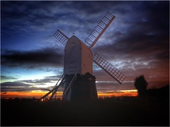 Sails idle (andystones64) Tags: windmill wrawby nlincs lincolnshire northlincs clouds sky weather nature scenic grass sails