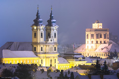 Eger (Laszlo Horvath.) Tags: eger hungary night winter kight church lyceum liceum carl zeiss sonnar 135mm f4