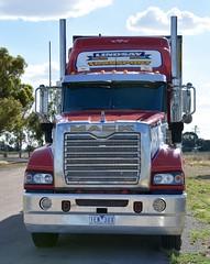 Lindsays (quarterdeck888) Tags: trucks transport semi class8 overtheroad lorry heavyhaulage cartage haulage bigrig jerilderietrucks jerilderietruckphotos nikon d7100 frosty flickr quarterdeck quarterdeckphotos roadtransport highwaytrucks australiantransport australiantrucks aussietrucks heavyvehicle express expressfreight logistics freightmanagement outbacktrucks truckies mack superliner australianmacks bdouble producetransport markets lindsay lindsayaustralia lindsays lindsaybros
