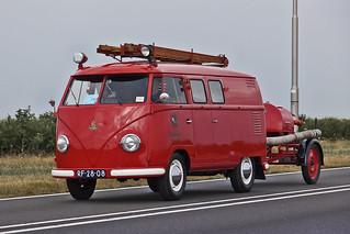 Volkswagen Typ 2 T1b fire brigade Transporter 1957 with Kronenberg fire brigade trailer (6778)