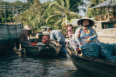 Floating Market in the Mekong Delta (@see1st) Tags: vietnam canthocity cantho city citylife streetphotography street streets streetstyle streetlife streetphoto travel adventure explore sony sonya7s portrait people localpeople face floatingmarket market