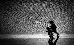 Alien run (ThorstenKoch) Tags: street streetphotography schatten stadt strasse shadow silhouette schwarzweiss sun sonne runner jogger düsseldorf duesseldorf germany fuji fujifilm thorstenkoch monochrome morning early rhein rhine rheinufer pov photography people photographer pattern licht lights lines linien light scary