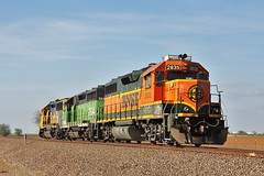 BNSF 2835 in Valley View Texas (depotdude07) Tags: gp392 locomotive valleyviewtexas railroad bnsf train railr