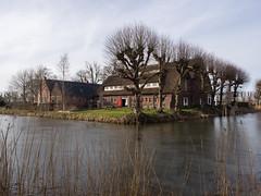 Ewsum Middelstum (Jeroen Hillenga) Tags: middelstum hogeland borgterrein gracht ewsum groningen netherlands nederland borg