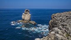 Revelim dos Remedios (ponzoñosa) Tags: peniche revelim remedios atlantico oceano bjue cliffs acantilado atlantic portugal wave olas foam escuma