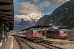 SBB Re 4/4 II 11243 en 420 347 Erstfeld (Gotthardbahn) (Hans Wiskerke) Tags: erstfeld uri zwitserland ch gotthardbahn