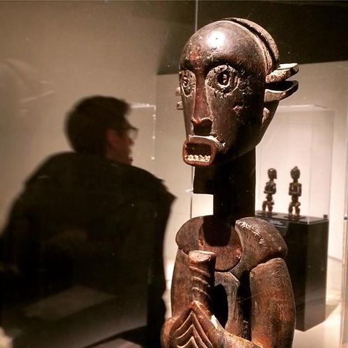 #DerniersJours #LesForetsNatales @quaibranly #Paris [statue d'ancêtre, gardien de reliquaire #Fang, #Ngumba, région de la rivière #Lokundje, sud de la république du Cameroun, fin XIXe début XXe] #adricanart #tw